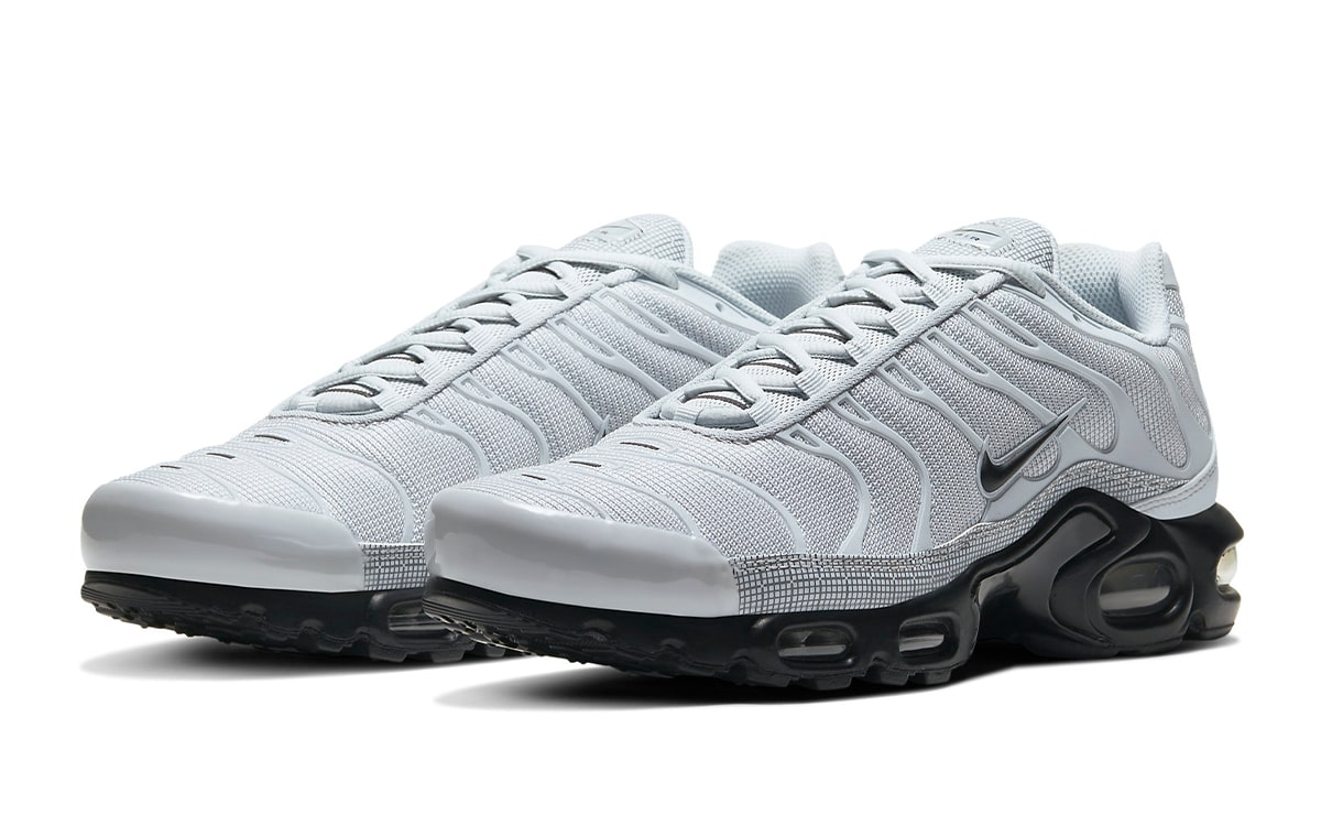 Available Now Nike S Air Max Plus Gets Given A Grid Pack In