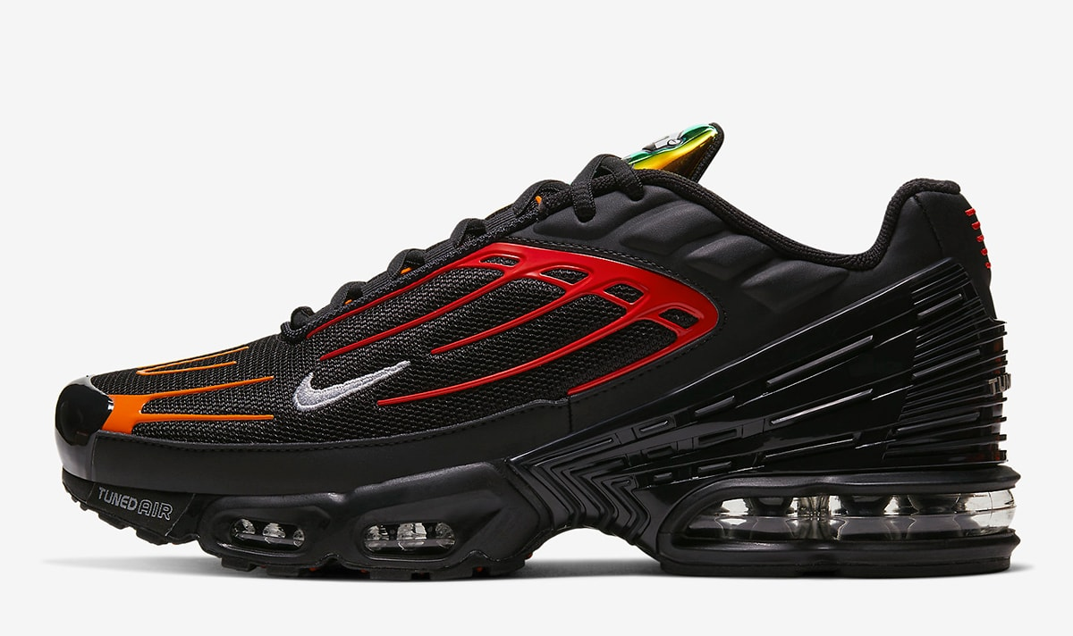 barril Inolvidable ayuda  The Nike Air Max Plus 3 Appears in Black, Orange and Iridescent - HOUSE OF  HEAT | Sneaker News, Release Dates and Features