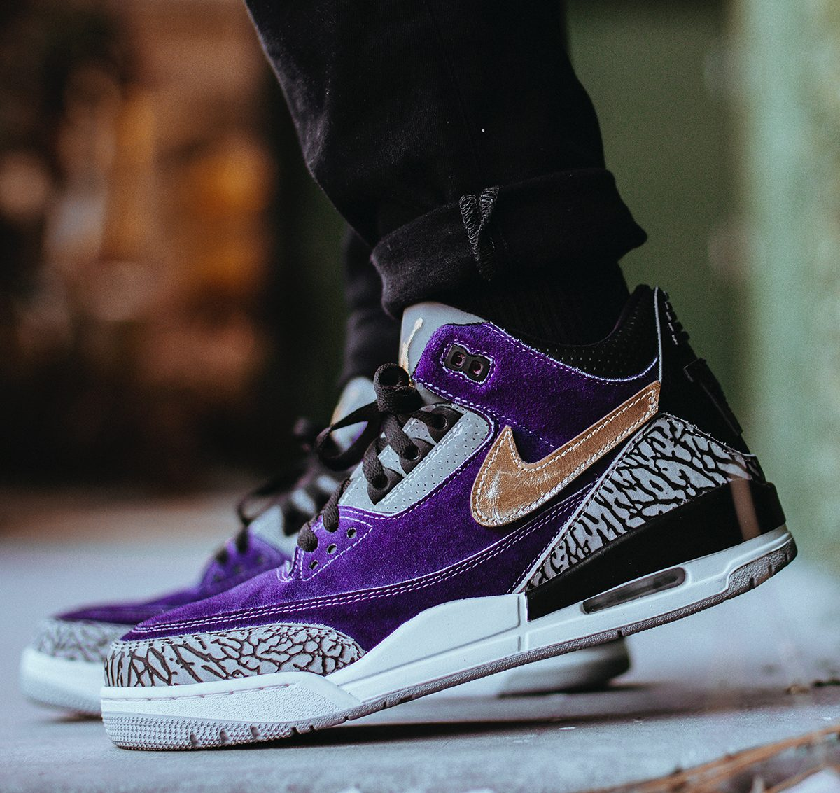 "Ari Dash Delivers a Delightful ""What If"" Washington Huskies Air Jordan 3 Tinker Bespoke"