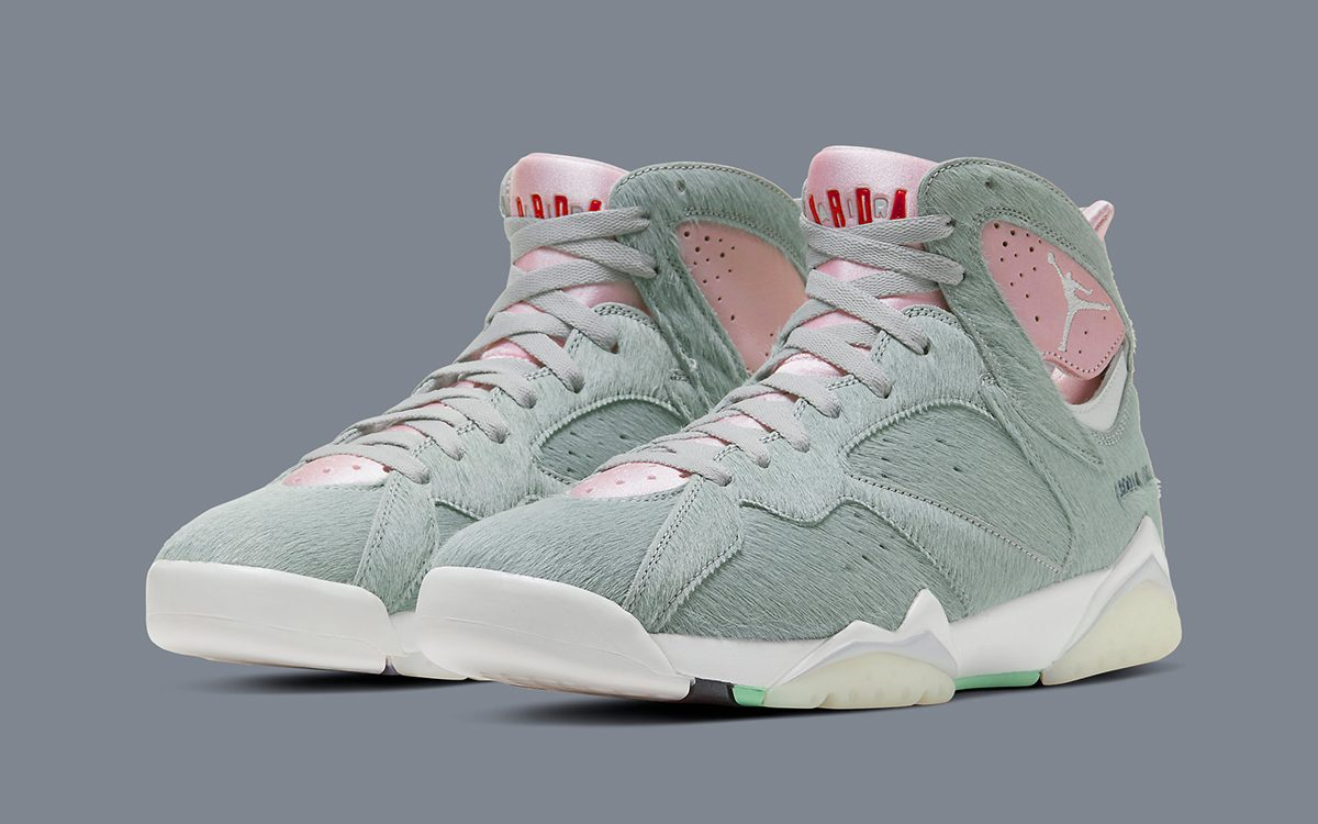 "The Air Jordan 7 ""Hare 2.0"" Scheduled for April 8th Release"