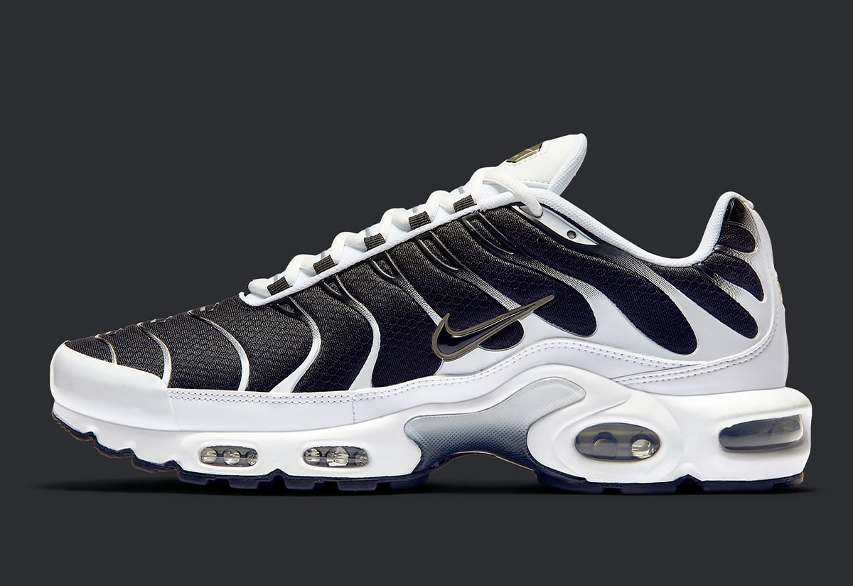 The Air Max Plus Is Back In Black White And Brass House Of Heat