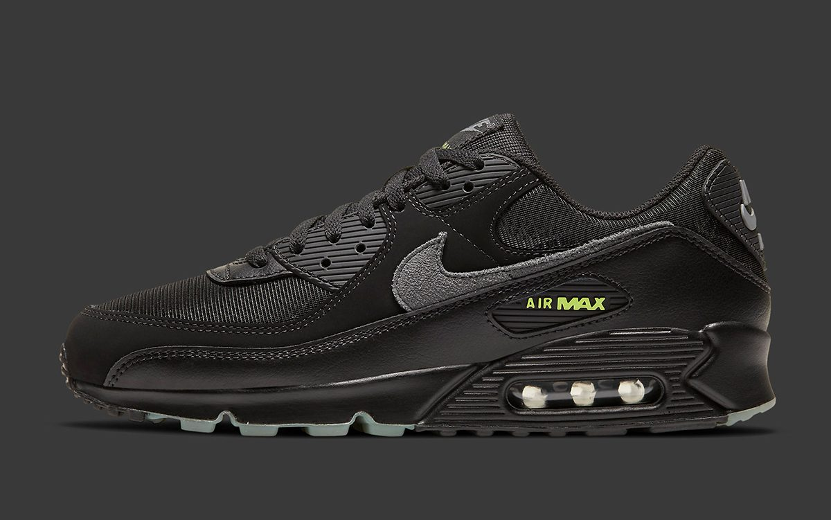 """Nike Air Max 90 """"Spider Web"""" Releases on Halloween"""