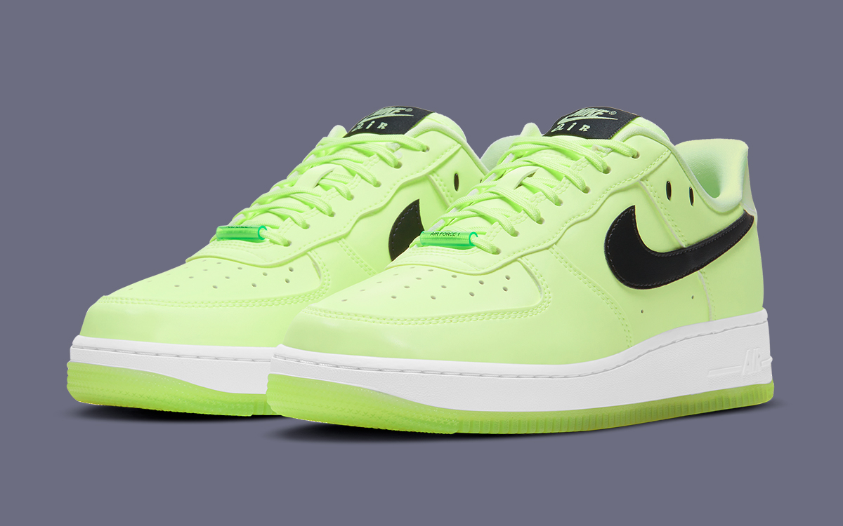 Available Now // Glow-in-the-Dark Air Force 1