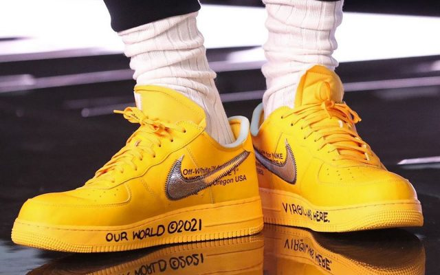 """LeBron James Debuts the OFF-WHITE x Nike Air Force 1 """"University Gold"""""""