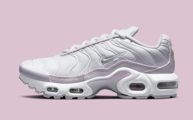 """Available Now // Nike Air Max Plus """"Light Violet"""""""