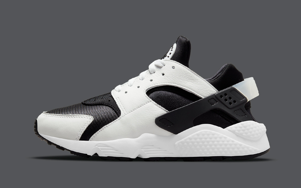 The Nike Air Huarache is Back in White and Black   Sciaky