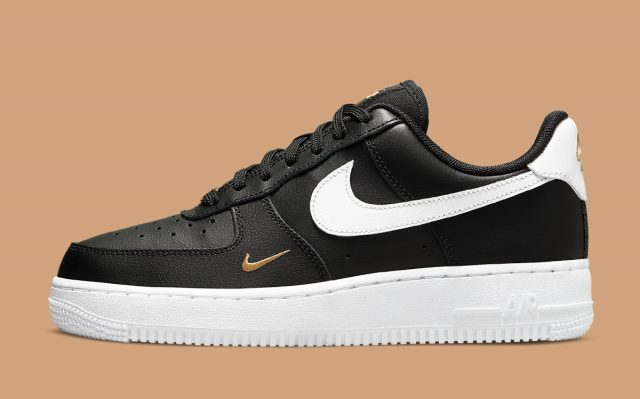 Another Elegant Mini Swoosh Air Force 1 Appears