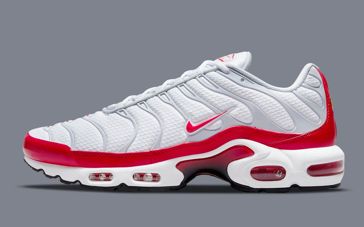 Available Now // Nike Air Max Plus