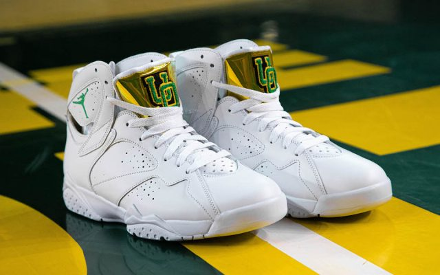 Oregon Unveil Women's-Exclusive PE for the PAC-12 Tournament
